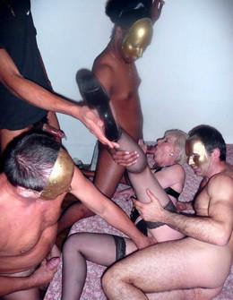Amateur gangbang porn pics with mature..