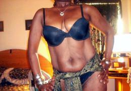 Ebony naked milf posing, upskirt porn..