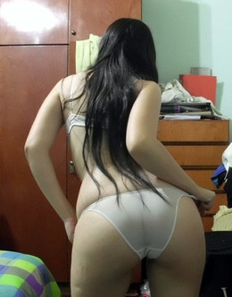 Beauty with juicy buttocks, all men..