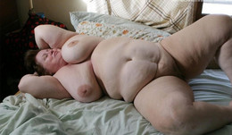 Fully naked mature BBW exposing their..
