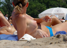 Fully naked mature women on public..