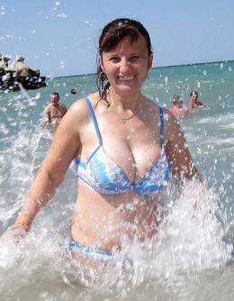 Busty MILFs in bikini and swimsuits,..