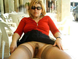 Amateur pictures of hot MILF babes..