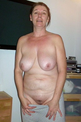 ?loppy mature tits, private pics