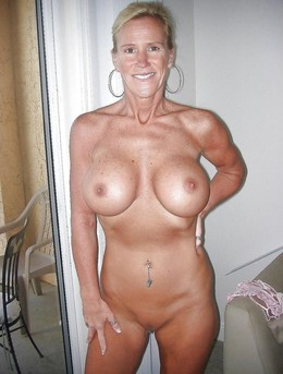 Naked busty American Housewives from..