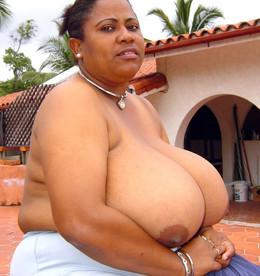 This aged ebony mom has a biggest..