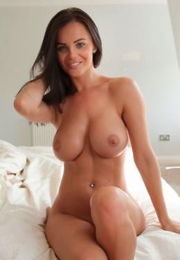 Cheerful Spanish girlfriend posing..