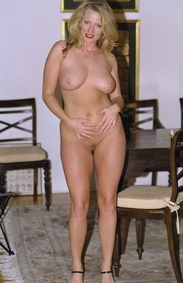 The best British naked moms posing