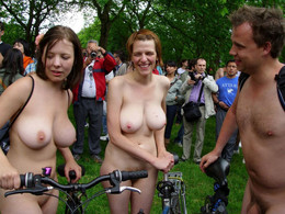 Nudists and amateur naked women in the..