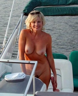 Busty UK Milfs sexual cintent