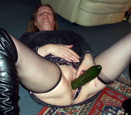 Mature wives stuffing pussies with toys