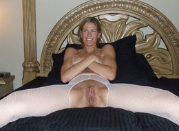 Tight mature body and hairy pussy