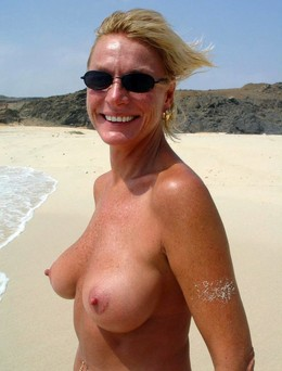 Some perfect nude moms, amateur images