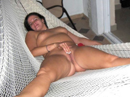Hot lookig and sex hungry mature lady..