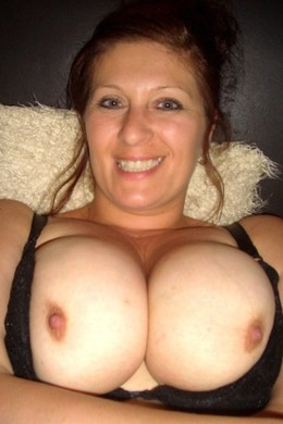 These big breasted MILFs want show..