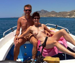 Nudist ass and pussy, tanned mom on..