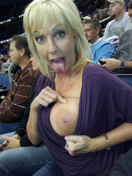 Various sexy photos of sexy matures..